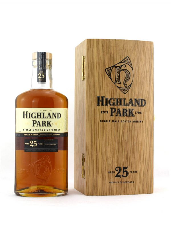 Highland Park 25 Year Old-F-900x1250-Malt Whisky Agency