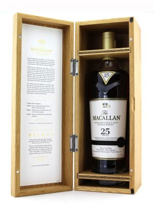 Macallan 25 Year Old 2019 Annual Release-O-900x1250-Malt Whisky Agency