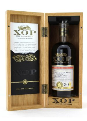 Macallan XOP 40 Year Old -F057-900x1250-Malt Whisky Agency