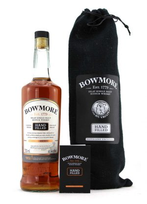 Bowmore Hand Filled Cask No.26-F-900x1250-Malt Whisky Agency