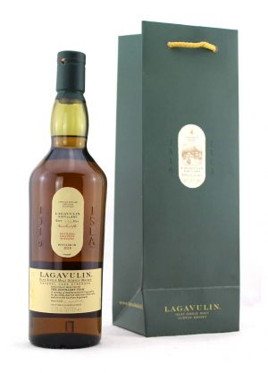 Lagavulin 2018 Distillery Exclusive-F-900x1250-Malt Whisky Agency